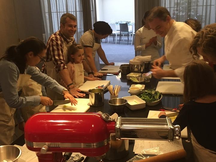 Missblabla Organisait Pour Les Médias Chez Alain Ducasse Un - Cours de cuisine ducasse